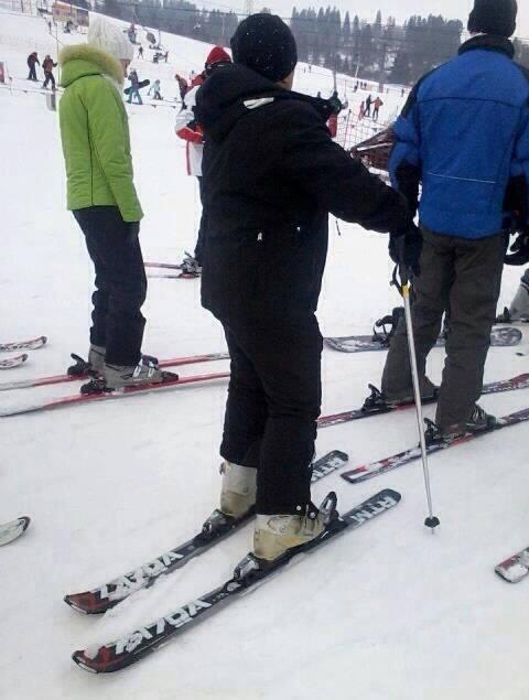 skis-on-backwards