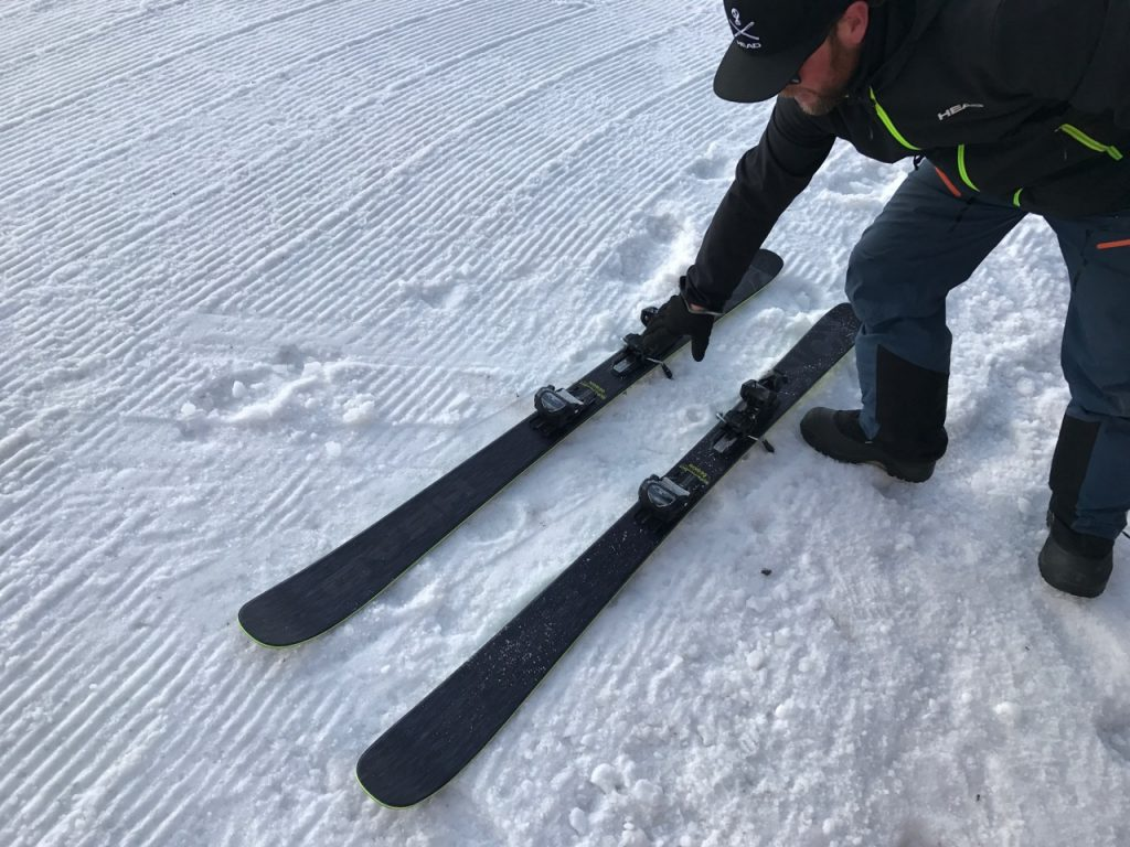 Head Kore 93 skis